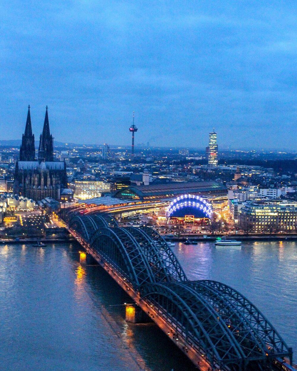 Cosa vedere in due giorni a Colonia - Colonia dall'alto tramonto