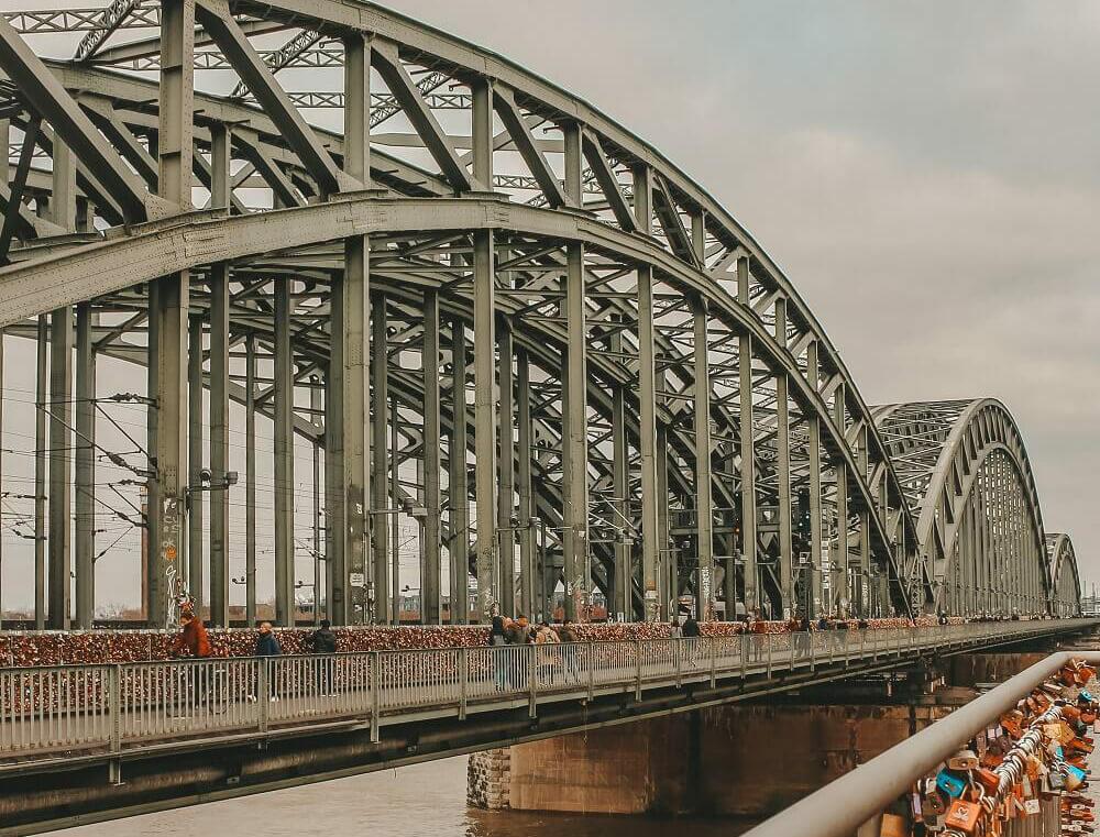 Cosa vedere in due giorni a Colonia - Ponte Hohenzollern