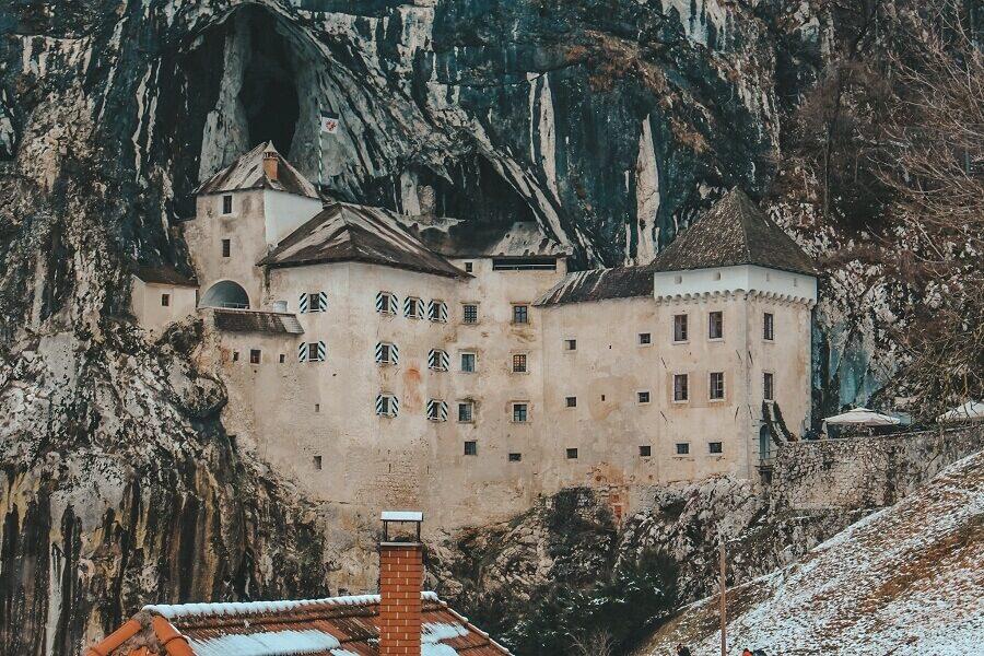 Castello di Predjama | cosa vedere in Slovenia
