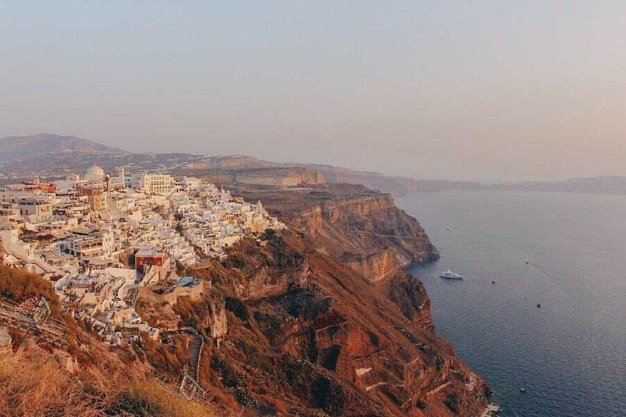 Dove vedere il tramonto a Santorini | Fira