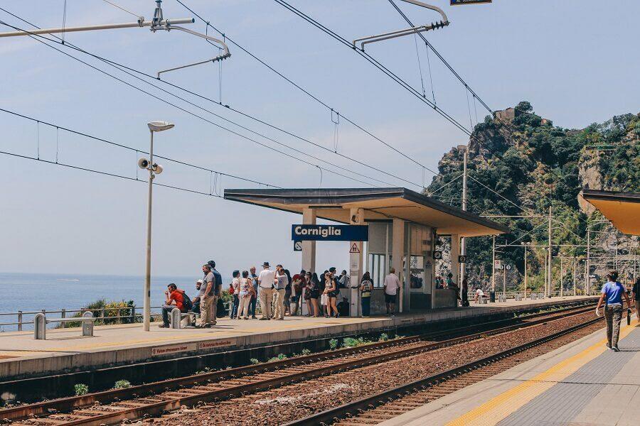 Stazione Corniglia | Come visitare le 5 terre e cosa vedere